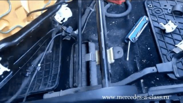 Снять сиденье Мерседес W169