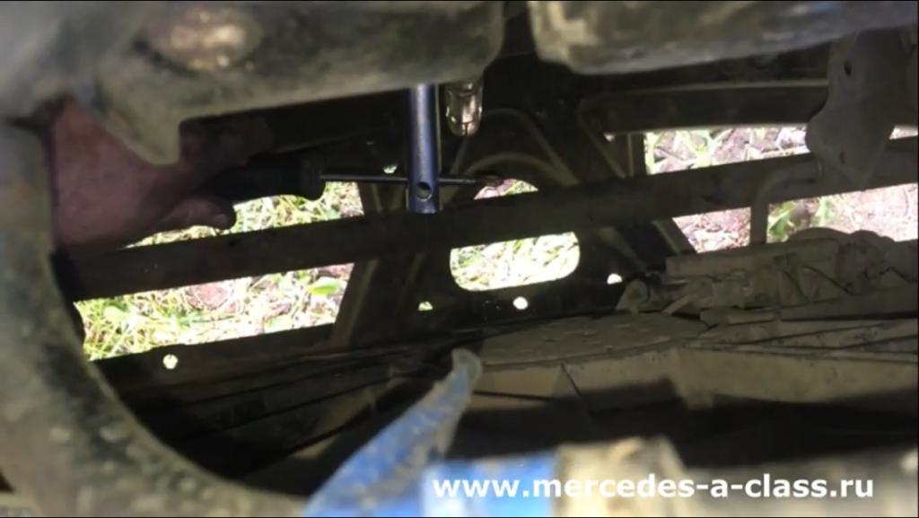Замена свечей зажигания Mercedes W169